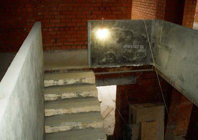 Лестница и ограждение проема из бетона