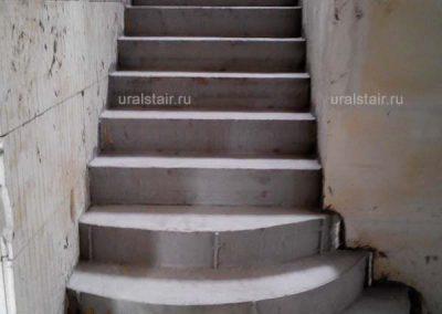 Монолитная забежная лестница с пригласительными ступенями, д. Поварня