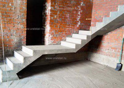 Лестница из бетона, Черданцево