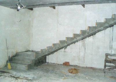 Г-образная лестница с площадкой, Белоярский