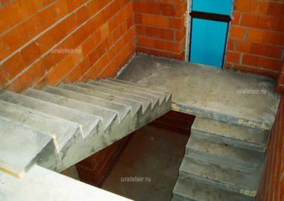 Монолитная лестница с промежуточной площадкой, г. Верхняя Пышма