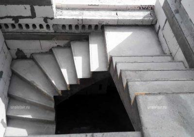Забежная лестница с площадкой (комбинированная), Фомино