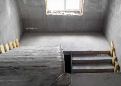 Лестница с широкими маршами и монолитным участком перекрытия, Полевской